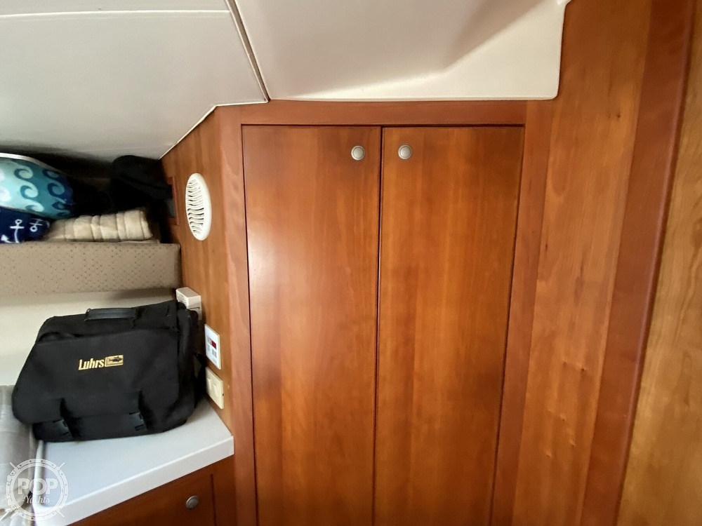 2003 Luhrs boat for sale, model of the boat is 34 Convertible & Image # 22 of 40