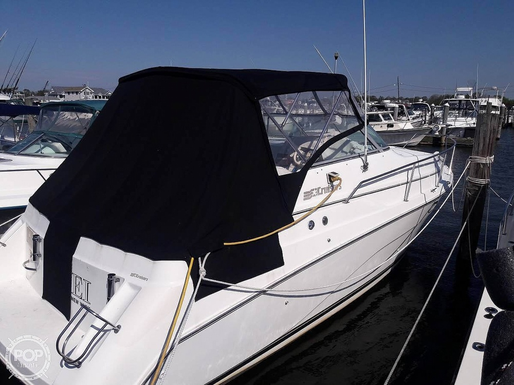 1996 Cruisers Yachts boat for sale, model of the boat is Rogue 2670 & Image # 3 of 40