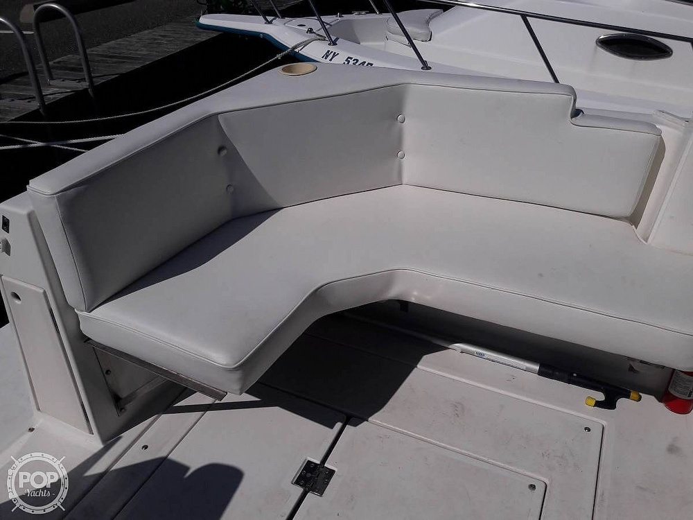 1996 Cruisers Yachts boat for sale, model of the boat is Rogue 2670 & Image # 13 of 40