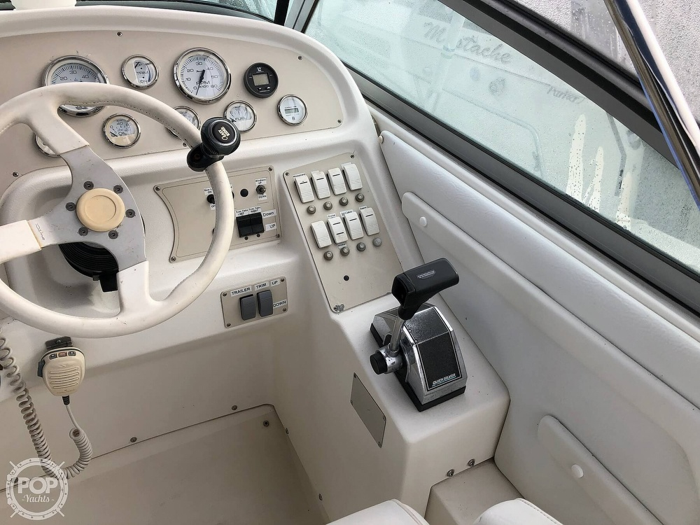 1996 Cruisers Yachts boat for sale, model of the boat is Rogue 2670 & Image # 34 of 40