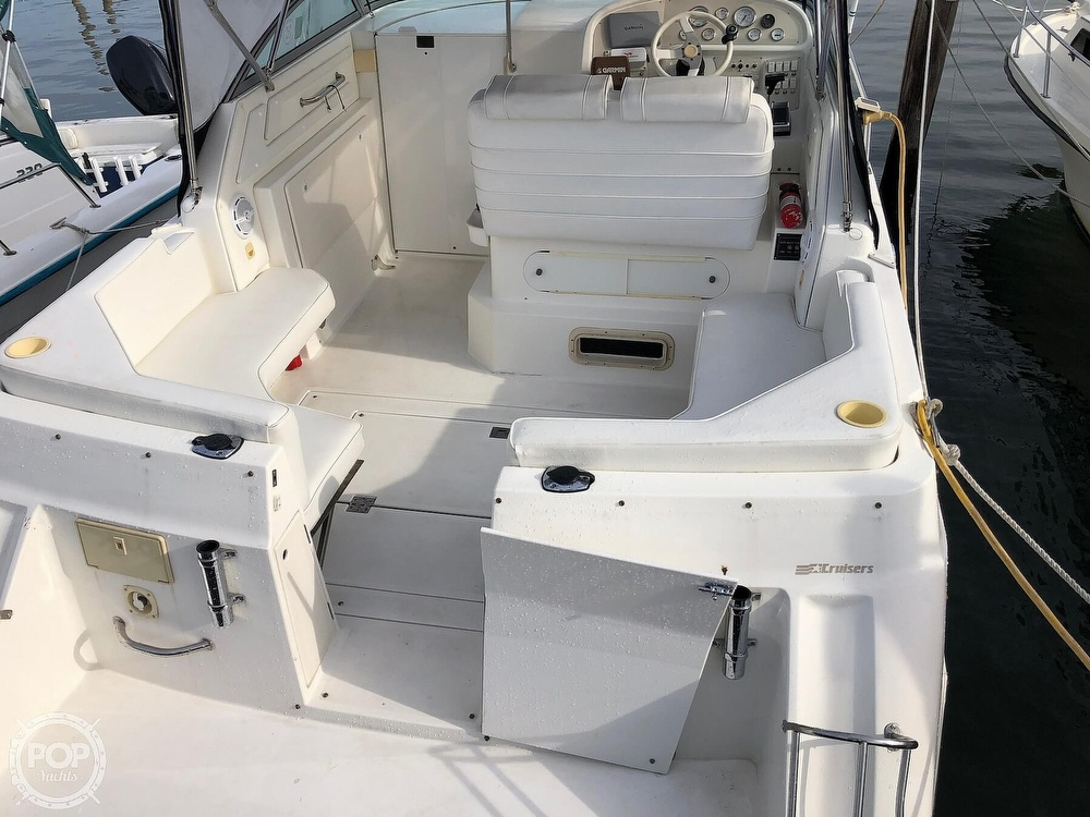 1996 Cruisers Yachts boat for sale, model of the boat is Rogue 2670 & Image # 5 of 40