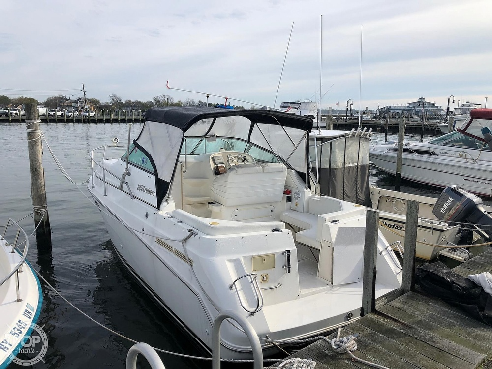 1996 Cruisers Yachts boat for sale, model of the boat is Rogue 2670 & Image # 4 of 40