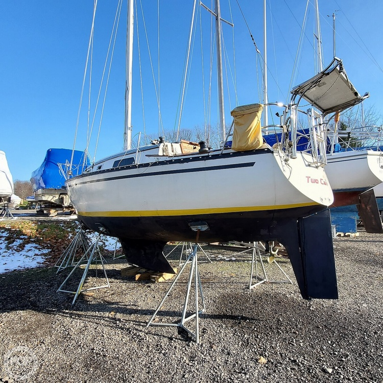 1978 Hunter boat for sale, model of the boat is 30 & Image # 7 of 40