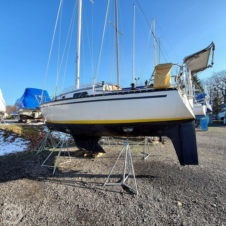 1978 Hunter boat for sale, model of the boat is 30 & Image # 10 of 40