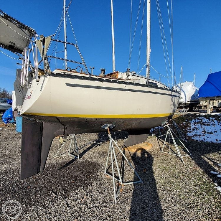1978 Hunter boat for sale, model of the boat is 30 & Image # 15 of 40