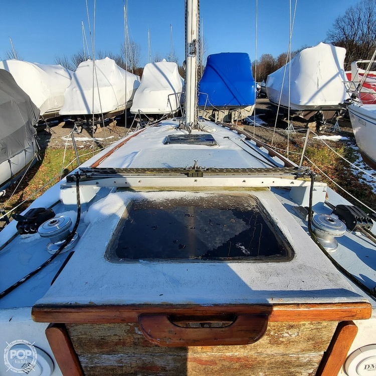 1978 Hunter boat for sale, model of the boat is 30 & Image # 17 of 40
