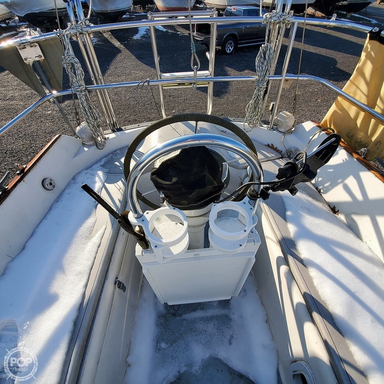 1978 Hunter boat for sale, model of the boat is 30 & Image # 20 of 40