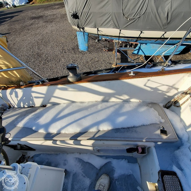 1978 Hunter boat for sale, model of the boat is 30 & Image # 23 of 40
