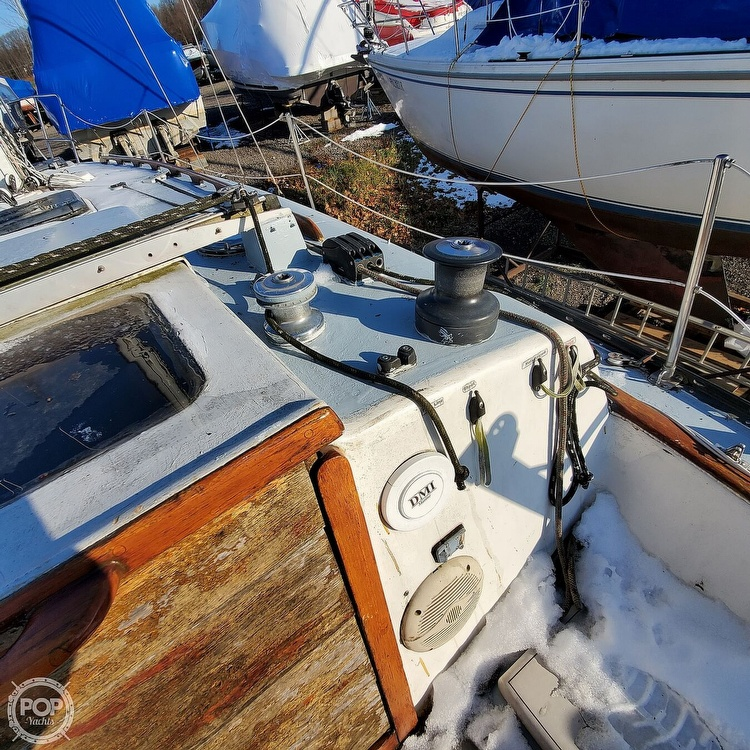 1978 Hunter boat for sale, model of the boat is 30 & Image # 24 of 40