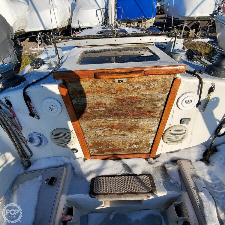 1978 Hunter boat for sale, model of the boat is 30 & Image # 25 of 40