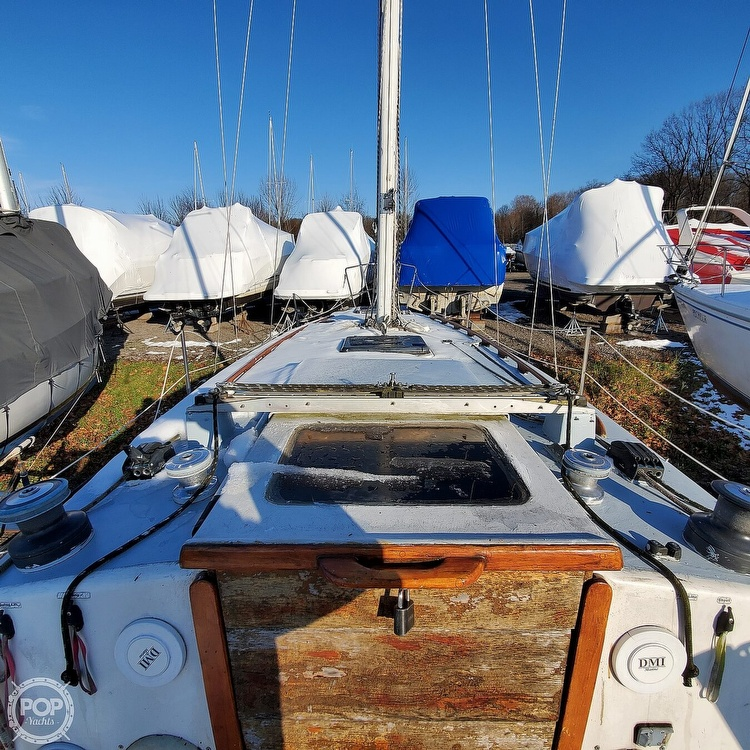1978 Hunter boat for sale, model of the boat is 30 & Image # 27 of 40