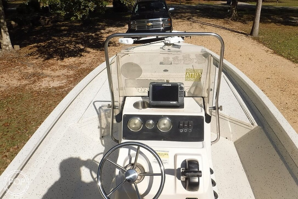 2015 Xpress boat for sale, model of the boat is H22B Bay Series & Image # 27 of 41