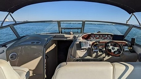1998 Sea Ray boat for sale, model of the boat is 330 Sundancer & Image # 2 of 40