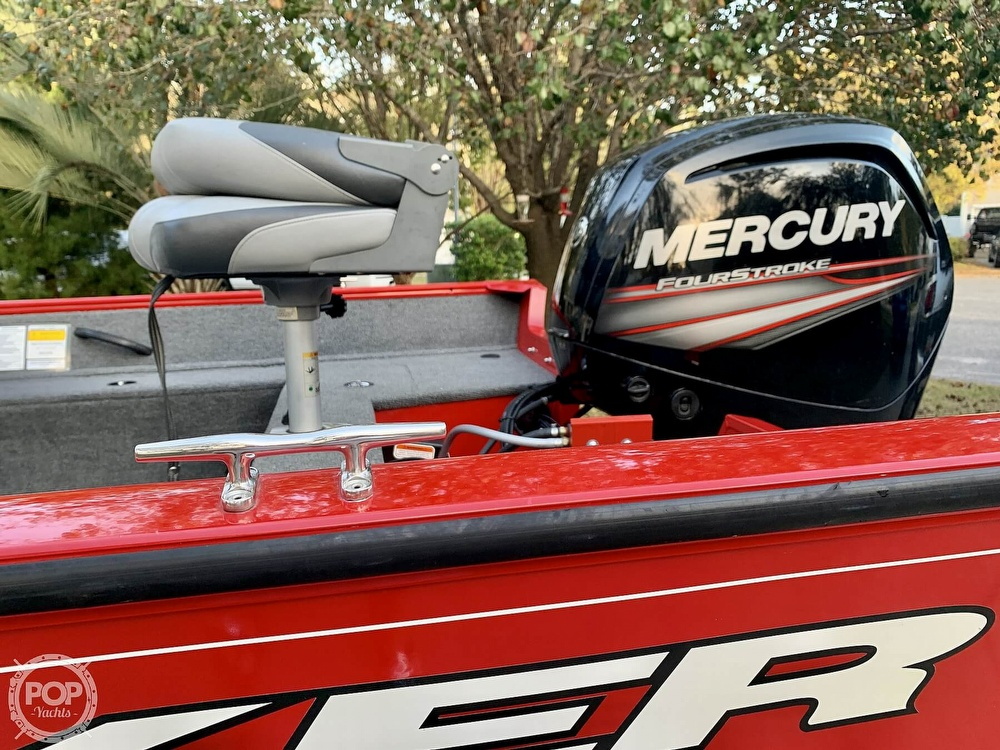 2016 Tracker Boats boat for sale, model of the boat is Pro Guide V 16 & Image # 4 of 40