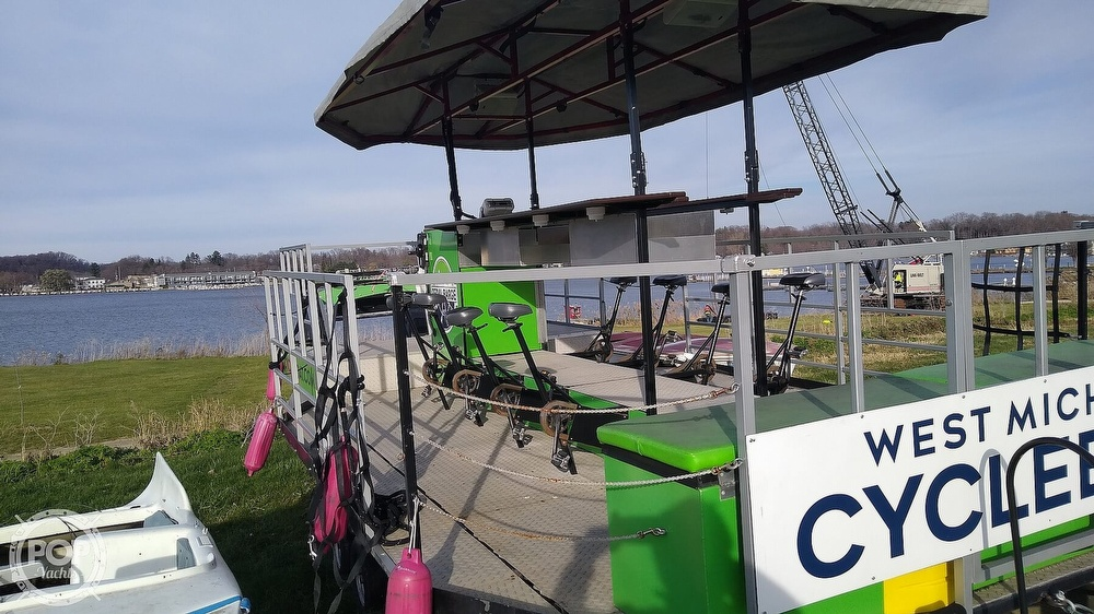 2013 Cascade boat for sale, model of the boat is Custom Cycleboat & Image # 3 of 40