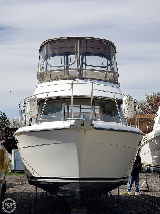 1994 Carver boat for sale, model of the boat is 300 Aft Cabin & Image # 23 of 26