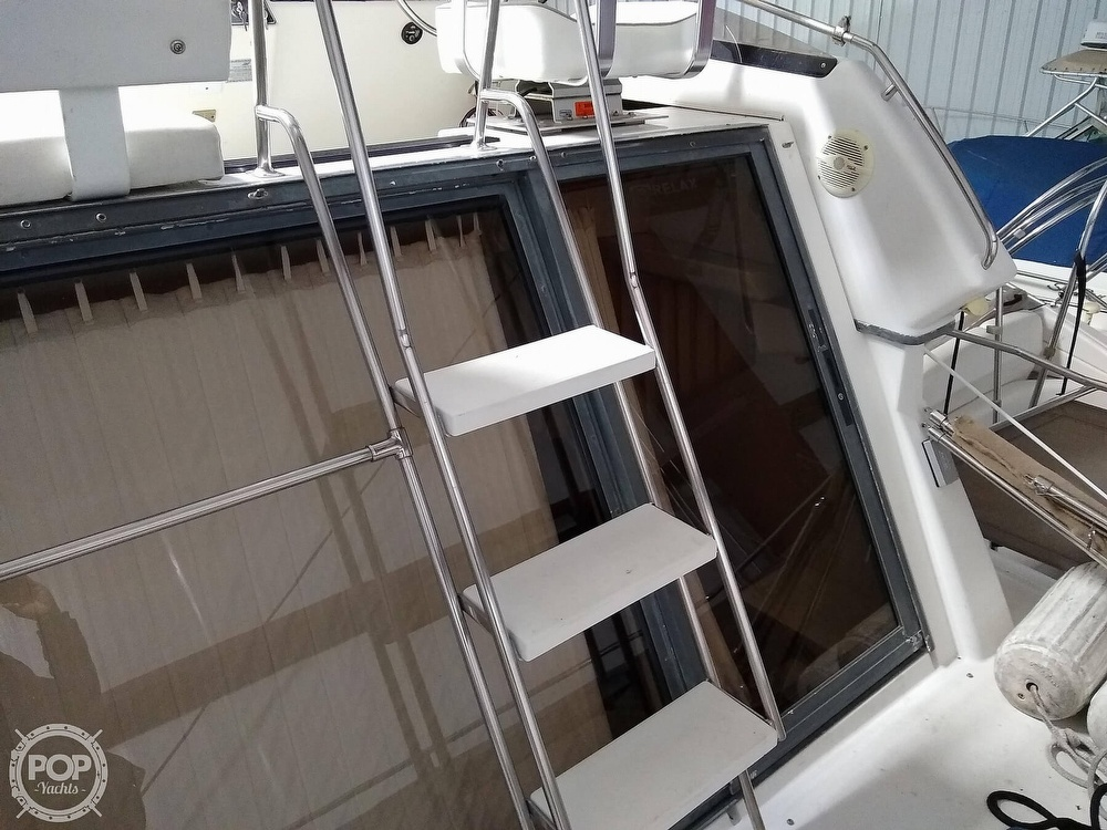 1994 Carver boat for sale, model of the boat is 300 Aft Cabin & Image # 32 of 40