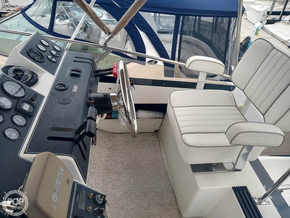 1994 Carver boat for sale, model of the boat is 300 Aft Cabin & Image # 18 of 40