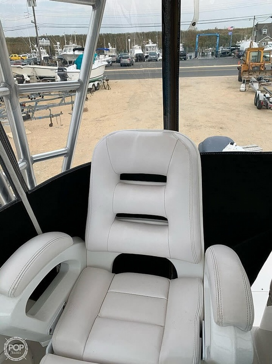 2007 Robalo boat for sale, model of the boat is 305R & Image # 9 of 40