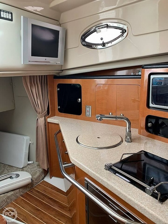 2007 Robalo boat for sale, model of the boat is 305R & Image # 23 of 40
