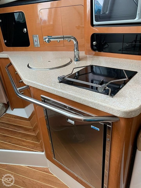 2007 Robalo boat for sale, model of the boat is 305R & Image # 25 of 40