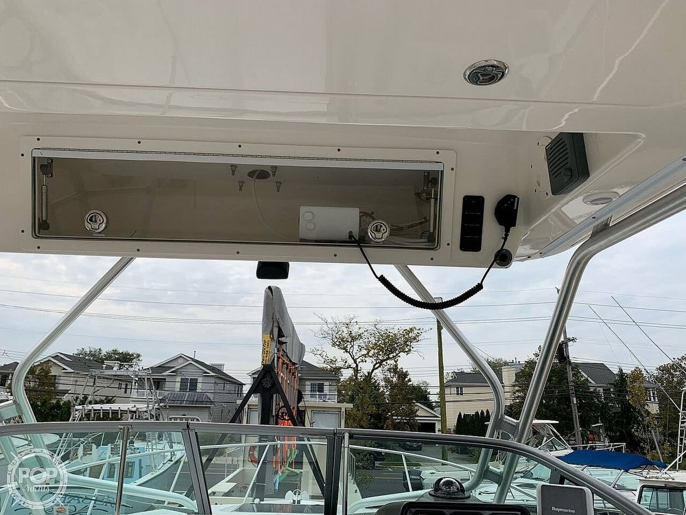 2007 Robalo boat for sale, model of the boat is 305R & Image # 35 of 40