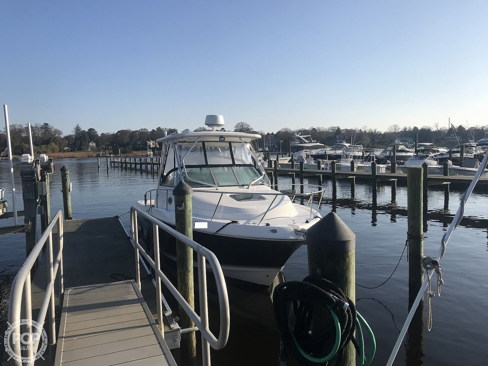 2007 Robalo boat for sale, model of the boat is 305R & Image # 2 of 40