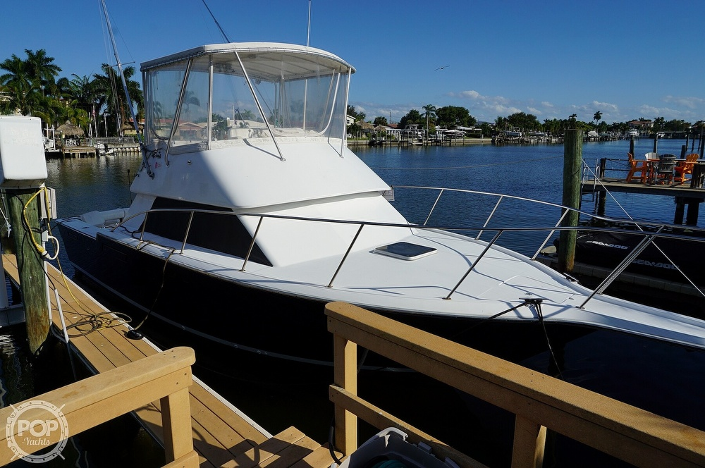 1986 Tiara Yachts boat for sale, model of the boat is 3300 Flybridge & Image # 2 of 40
