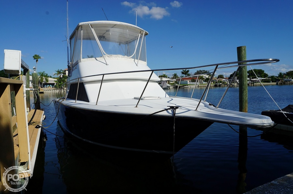 1986 Tiara Yachts boat for sale, model of the boat is 3300 Flybridge & Image # 5 of 40