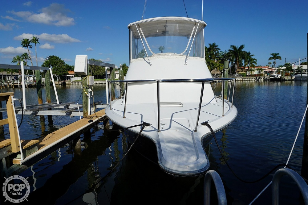 1986 Tiara Yachts boat for sale, model of the boat is 3300 Flybridge & Image # 6 of 40