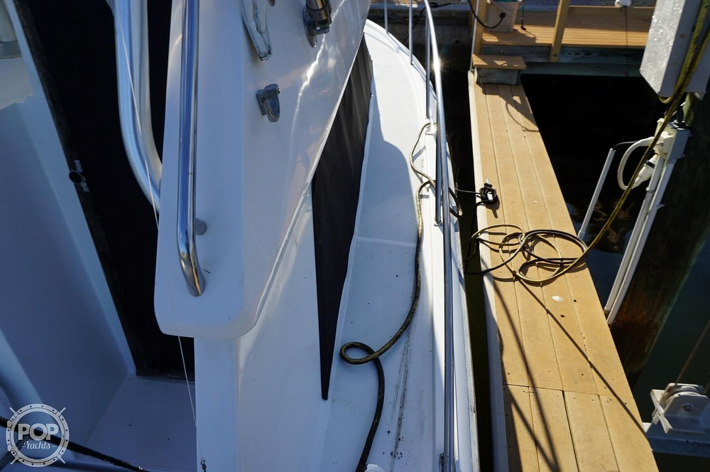1986 Tiara Yachts boat for sale, model of the boat is 3300 Flybridge & Image # 16 of 40