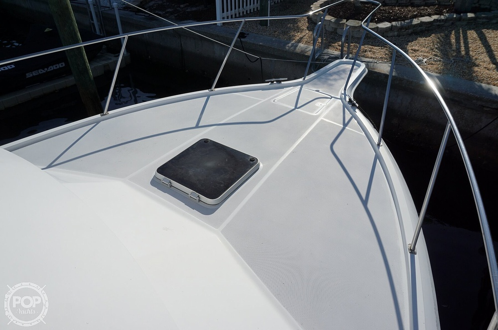 1986 Tiara Yachts boat for sale, model of the boat is 3300 Flybridge & Image # 17 of 40