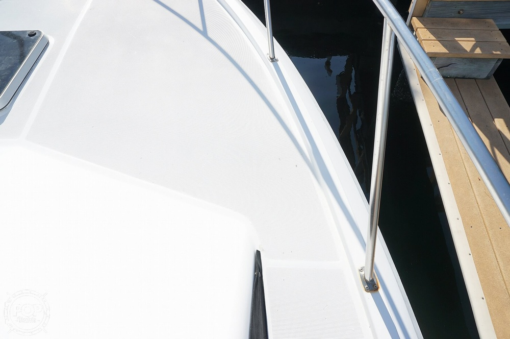 1986 Tiara Yachts boat for sale, model of the boat is 3300 Flybridge & Image # 18 of 40