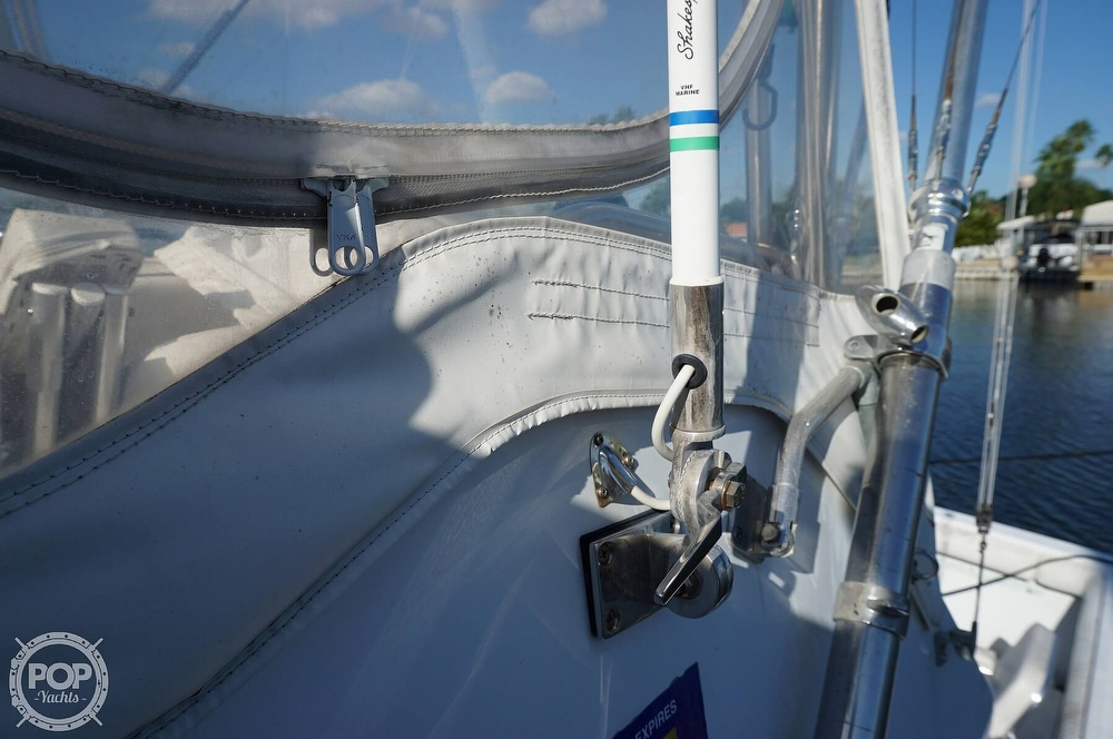 1986 Tiara Yachts boat for sale, model of the boat is 3300 Flybridge & Image # 25 of 40