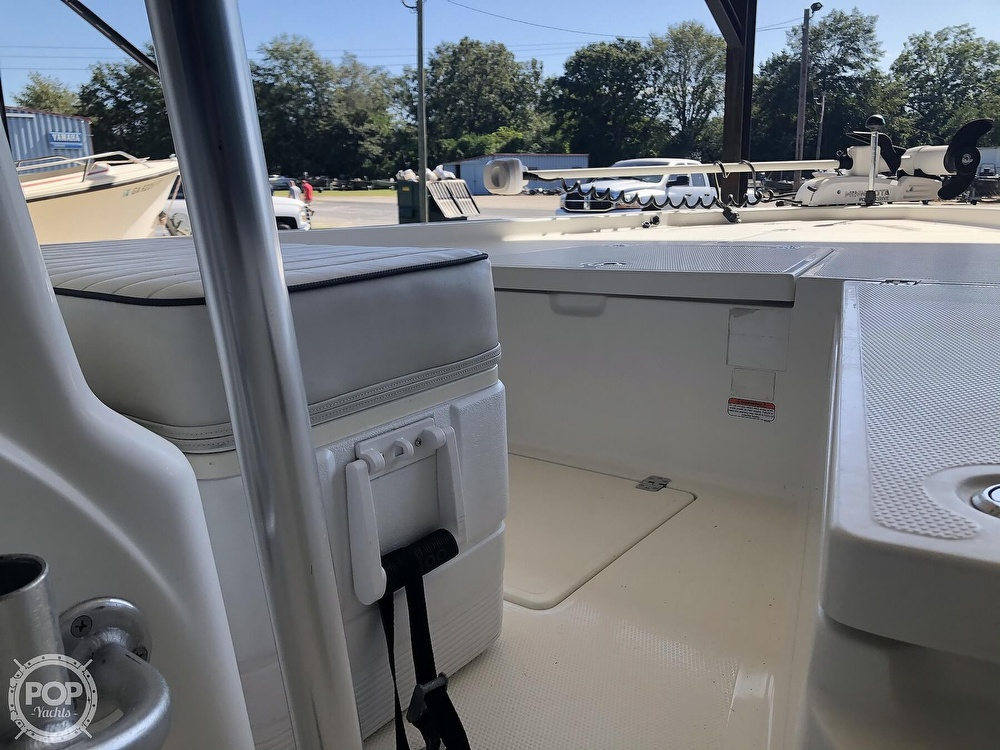 2016 Mako boat for sale, model of the boat is 19 CPX & Image # 8 of 12