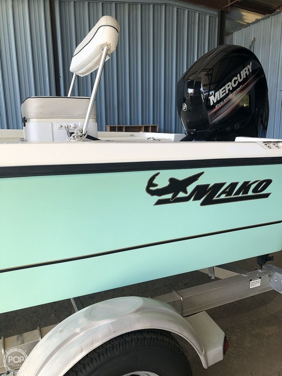 2016 Mako boat for sale, model of the boat is 19 CPX & Image # 4 of 12
