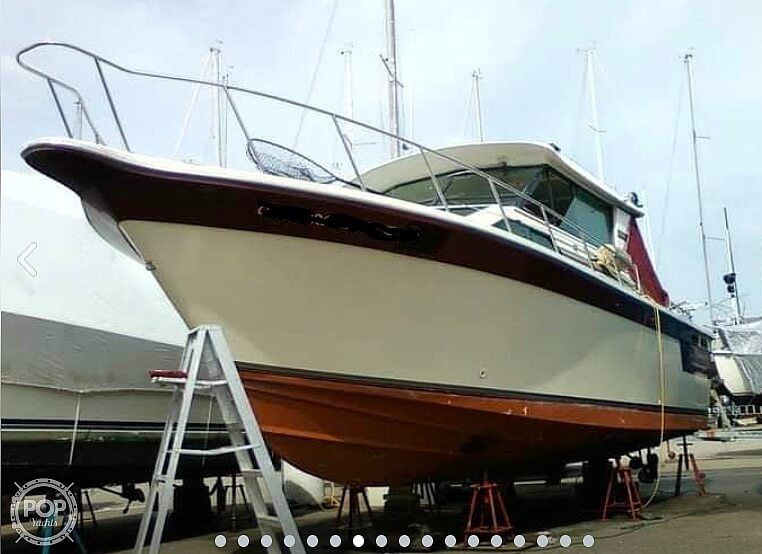 1988 Baha Cruisers boat for sale, model of the boat is 310 Sport Fisherman & Image # 2 of 40