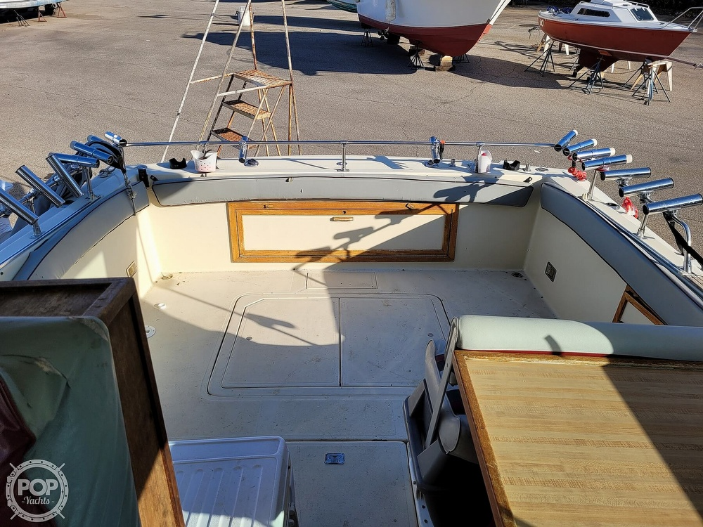 1988 Baha Cruisers boat for sale, model of the boat is 310 Sport Fisherman & Image # 33 of 40