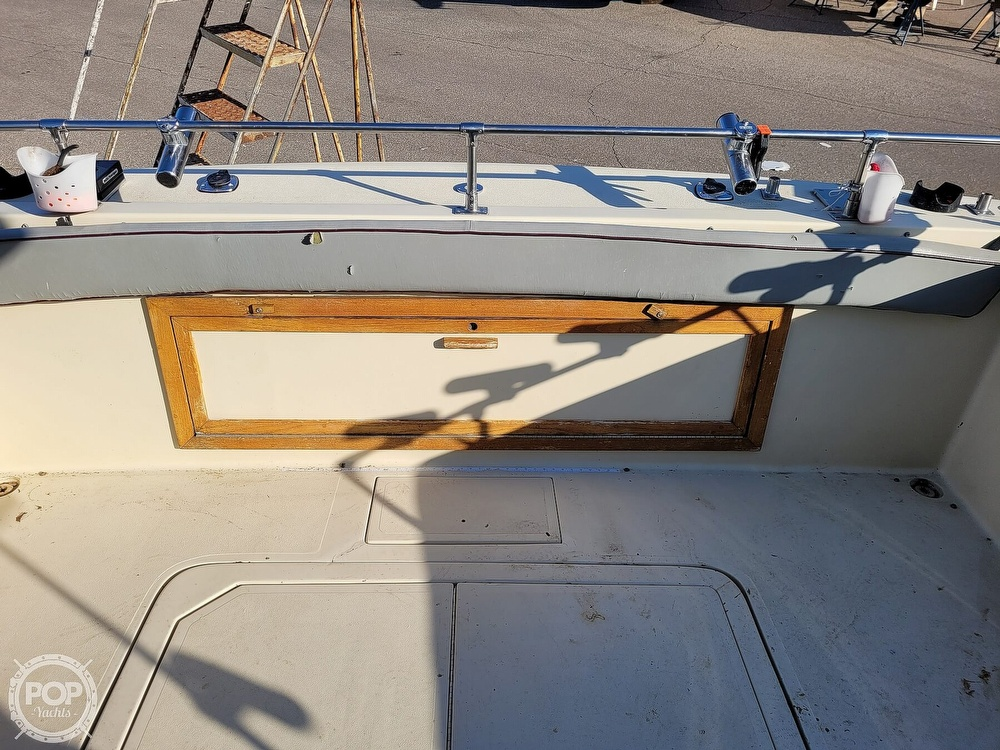 1988 Baha Cruisers boat for sale, model of the boat is 310 Sport Fisherman & Image # 34 of 40