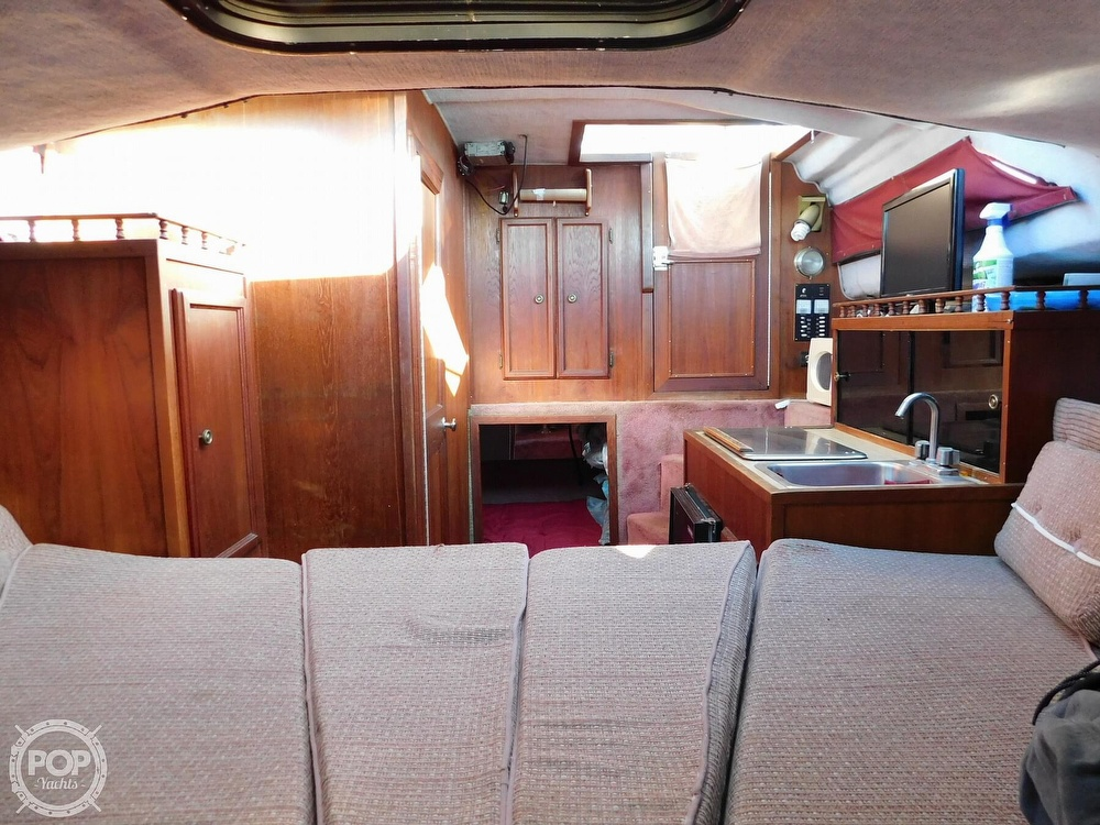 1988 Baha Cruisers boat for sale, model of the boat is 310 Sport Fisherman & Image # 7 of 40