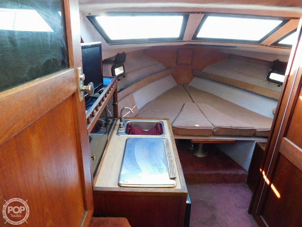 1988 Baha Cruisers boat for sale, model of the boat is 310 Sport Fisherman & Image # 6 of 40