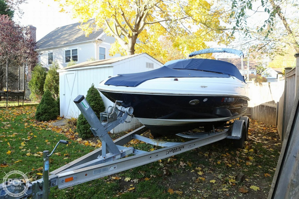 2011 Sea Ray boat for sale, model of the boat is 200 Sundeck & Image # 2 of 40