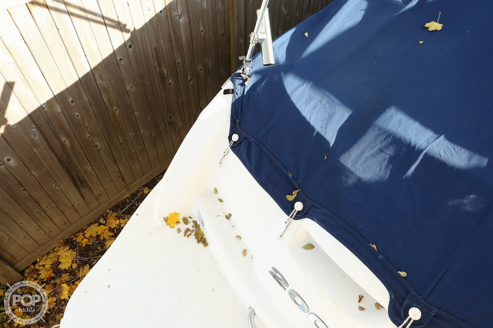 2011 Sea Ray boat for sale, model of the boat is 200 Sundeck & Image # 6 of 40