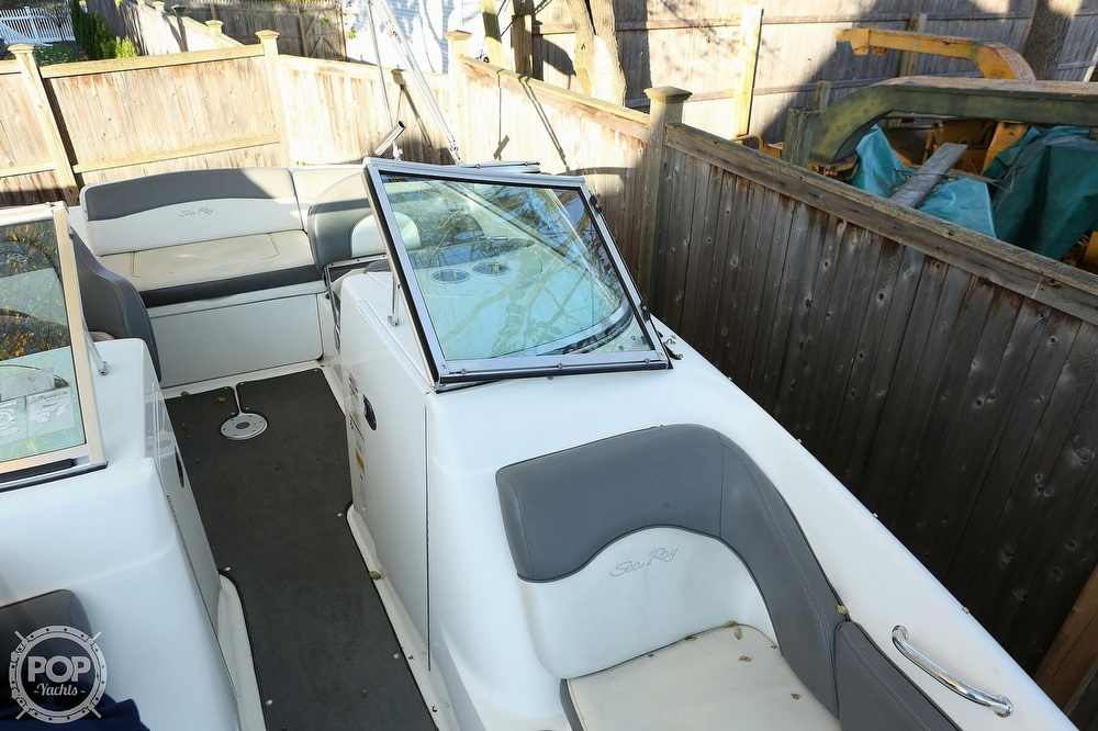 2011 Sea Ray boat for sale, model of the boat is 200 Sundeck & Image # 17 of 40