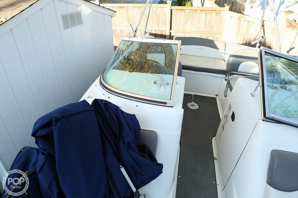 2011 Sea Ray boat for sale, model of the boat is 200 Sundeck & Image # 18 of 40