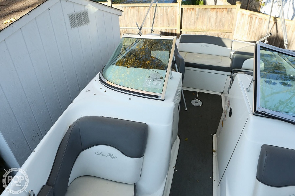 2011 Sea Ray boat for sale, model of the boat is 200 Sundeck & Image # 23 of 40