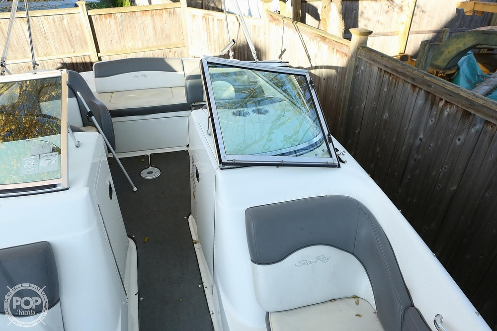 2011 Sea Ray boat for sale, model of the boat is 200 Sundeck & Image # 24 of 40