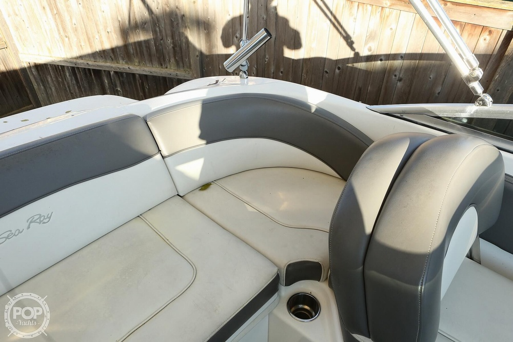 2011 Sea Ray boat for sale, model of the boat is 200 Sundeck & Image # 35 of 40