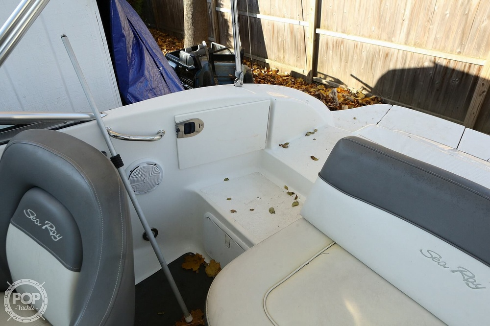 2011 Sea Ray boat for sale, model of the boat is 200 Sundeck & Image # 36 of 40