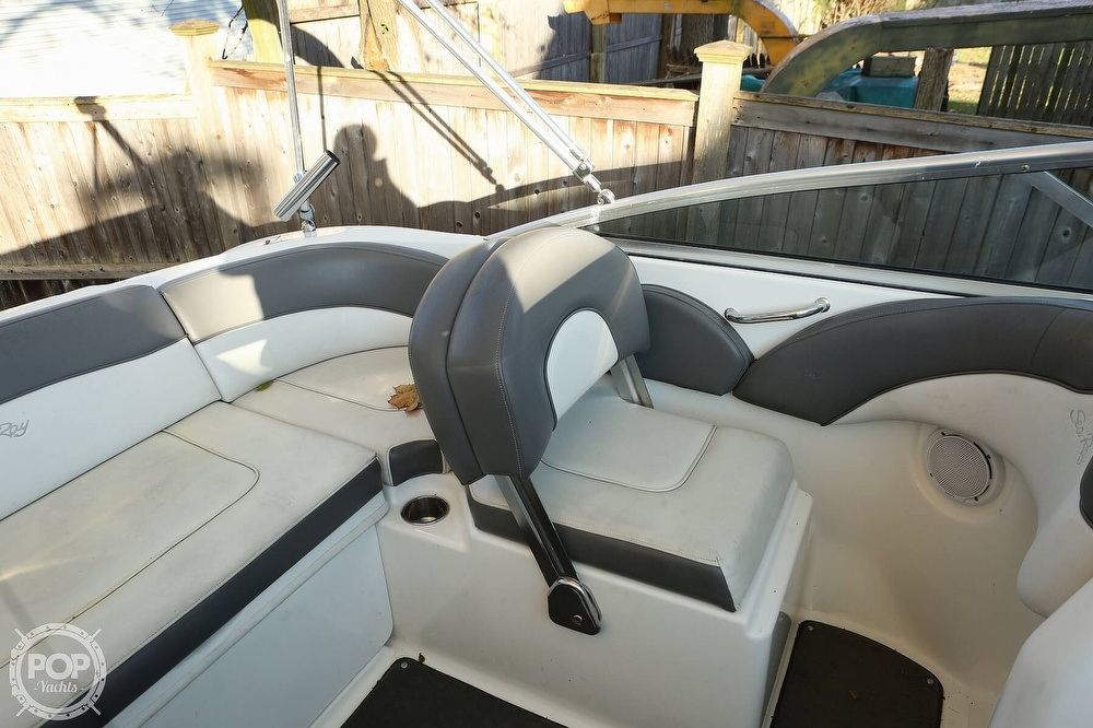 2011 Sea Ray boat for sale, model of the boat is 200 Sundeck & Image # 38 of 40